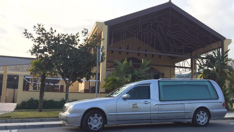 flota-vehiculos-funeraria-costa-del-sol-robles-navarro